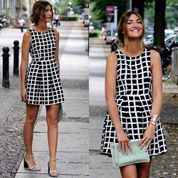 Sofia Grau -  - Graphic Dress