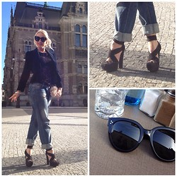 Radana Adachi - Christian Dior Shoes, Burberry Jeans, Vintage Lace Top, Vintage Jacket, Céline Sunglasses, Vintage Clutch - Just coffee time