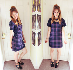Beth Kennett - New Look Shift Dress, New Look Coin Necklace, Claire's Tattoo Anklet, Missguided Jelly Shoes - School's Out For Summer.