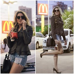 Jéssica Oliveira - Auslander Short, Fendi Bag, Christian Louboutin Scarpin - French fries
