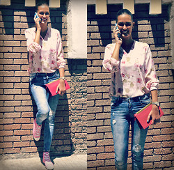 Amina Allam - Romwe Floral Print Shirt, Zara Destroy Jeans, Saint Laurent Clutch, Converse Sneakers - Florals and basics