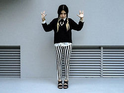 Jessica Grrl - Topshop Knit Sweater, H&M Sandals, Unlabelled Striped Pants - Wednesday Addams goes Modern