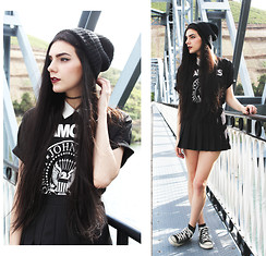 CLAUDIA Holynights - Asos Beanie, Converse Sneakers - Have I ever told you How good it feels to hold you?