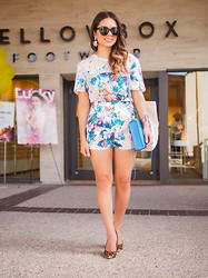 Daniela Ramirez - Lovers + Friends Shorts, Lovers + Friends Top, Yellow Box Leopard Shoes - Floral and leopard...