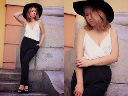 Wioletta Mary Kate - Iclothing Jumpsuit, H&M Hat, Bershka Shoes - Lady In Black (Hat) 10.08 // VIDEO OUTFIT