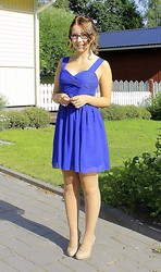 Emma Karki - Oneness Dress, High Heels, Gina Tricot Rings - CONFIRMATION