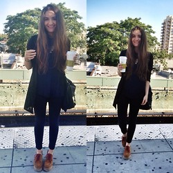 Mariam Argvliani - Urban Outfitters Fav Shoes, Armani Exchange Skinny Jeans - Total black is LOVE <3