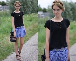The Fashion Moodboard - Thrifted Black Tee, Mango Floral Skirt, Thrifted Sandals, Pimkie Bohemian Bag - Parisian chic