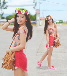 Germeline Nabua - Keds Taylor Swift Floral, Mto Customized Shorts Frayed, Fringe Bag, Mint Floral Crop Top - The Indie Project