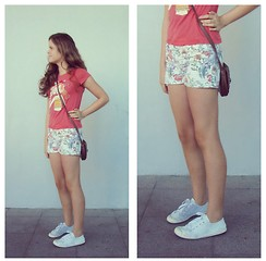Emilia M. - Primark Brown Purse, Corte Inglés White Shoes, Zara Red Shirt, H&M White Floral Shorts - The Coral Jungle