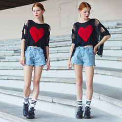 Evamaria K - Second Hand Shirt, Frontrowshop Diy Shorts, Chic Wish Boots, Frontrowshop Socks - Keep your heart safe