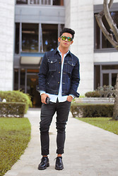 David Guison - Lee Denim Jacket, Police Sunnies - Attachment