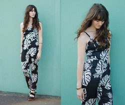 Tonya S. - Free People Belmont Clog, Tropical Print Jumpsuit - Palm