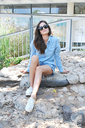 Sahar Lazari - Ray Ban Ray Ban, Thailand Denim Shirt, Lee Denim Shorts, H&M Platform Sneakers - Double denim summer