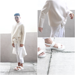 Karl Philip Leuterio - Frontrowshop Spongy Sweater, Thrifted Minimal Coat, Diy Raw Edge Pants, Trendphile Mandals - Cloud nine