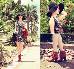 Jasmine L - Akira Fringe Bag, Emoda Photographic Floral Dress, Queen Suede Boots - DESERT FLOWERS