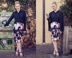 Ashleigh McCallum - Cue Sheer Shirt, French Connection Uk Floral Garden Skirt, Jo Mercer Tanessa Heel, Oroton Mesh Clutch, St Frock Park Avenue Blazer - Geometric Jewels