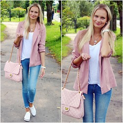 Madara L - H&M Soft Pink Blazer, Arafeel Pink Quilted Bag, H&M Light Blue Jeans, H&M White Sneakers - My casual style