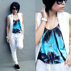 Priscila Diniz - Vest, Pants, Top, Sunglasses, Shoes, Watch - Feel My Chill