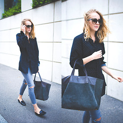 TIPHAINE MARIE - Jeans, Bag, Sunnies - Open back.