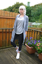 Kirsty Dawson - Topshop Check Print Jersey Coat, H&M Jersey Top, H&M Slacks, Nike Air Force 1 Low Leather Trainers - OOTD 16.08.14
