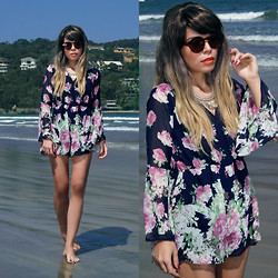 Priscila Diniz - Floral Jumpsuit, Sunglasses, Necklace - Welcome back sunny days!