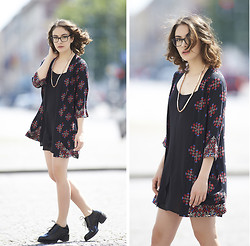 Olympia C - Urban Outfitters Floral Kimono, Chic Wish Slip Dress, Cos Lace Up Shoes, Cos Copper Necklace - Daytime Appropriate Nightgown