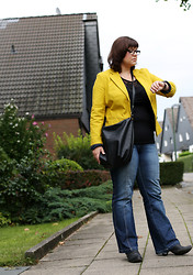 The S Signature - S.Oliver Blazer, H&M Bag - Yellow Trend