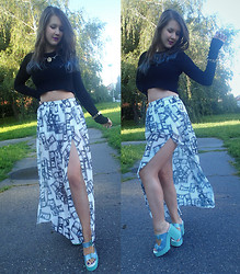 Patricia C. - Miista Shoes, Pepe Jeans Skirt, Zara Crop Top - Dollar Skirt