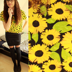 Sabrina X - H&M Sunflower Crop Top, H&M Overknees, Vans - Sunflowers