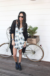 Lisa O - Bonds Cardi, Junk Clothing Jumpsuit, Converse Boots, Ray Ban Sunglasses - Byron Escape