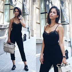 Milagros Plaza - Women Secret Lace V Neck Top, Twist & Tango Black Baggy Pants, Tous Grey Leather Satchel Bag, Area Black Charol Oxfords - Baggy pants