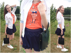 Pauline - Hollister Co. Shirt, Abercrombie Foxy Tee, Forever 21 Skirt, Puma Shell Toe Sneakers - Back To School Style 2