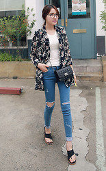 Miamiyu K - Miamasvin Floral Print Sheer Jacket, Miamasvin Essential Sleeveless Camisole, Miamasvin Exposed Knees Skinny Jeans, Miamasvin Asymmetric Strap Heels - Fallen Flowers