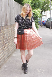 Jaclyn - Vintage Polka Dot Top, Topshop Metallic Skirt, Aldo Biker Boots, Vintage Harrods Quilted Bag, Marc Cain Leather Bracelet - Metallic and Polkadots