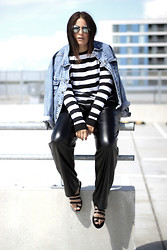 Michelle E.               Fashionblogger - Forever 21 Sandals, Nelly Leather Trouser - Outfit/ Stripes & Leather.