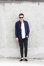 Rolandas Lušinskis - Asos Sunglasses, Uniqlo Shirt, Cos Tee, J Brand Jeans, Asos Sneakers - COME ON!