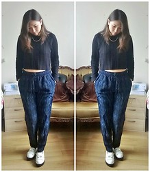 Casey W - Boohoo Ribbed Jumper, Forever 21 Trousers, Claire's Gold Chain, New Look White Loafers - Cropped Jumper Obsession