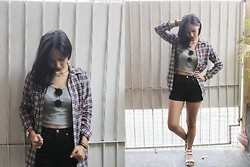 Carina Bailon - Forever 21 Crop Top, Forever 21 High Waist Shorts, Aldo Watch, Forever 21 Sandals - Grunge It Up