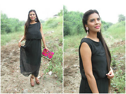 Pooja Mittal - Tmart Bohemia Style Sleeveless Beach Long Chiffon Dress Black   See More At: Http://Www.Tmart.Co.Uk/2014 Summer Bohemia Style Sleeveless Beach Long Chiffon Dress Black P257470.Html#Sthash.Yyqlruky.Dpuf, Tmart Unique Waterdrop Shape Alloy Rhinestone Stud Earrings Pink   See More At: Http://Www.Tmart.Co.Uk/Unique Waterdrop Shape Alloy Rhinestone Stud Earrings Pink P250248.Html#Sthash.Scvhzfu1.Dpuf - The Black Maxi