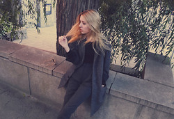 Shelley Mulshine - Mtwtfss Wool Coat, American Apparel Suit Pants, H&M Top - AUTUMN