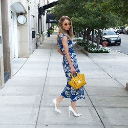 Megan Jedlinski - Michael By Kors White Pumps, 3.1 Phillip Lim Tote - Holding on to Summer