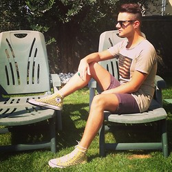 "Gabriele Giuzzi - Converse Shoes, Topman Shorts, Naff Sunglasses, Double U Frenk Ring, Age Clothing T Shirt - ""USA style"" with rock!"