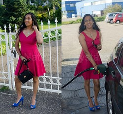 Natassia -  - Pink dress and blue heels ← yay simple outfits!