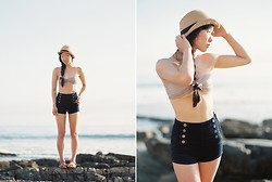 Serena J - Urban Outfitters Fedora, H&M Bandeau Top, Forever 21 Navy Shorts, Madewell The Crisscross Sightseer Sandal - Crystal Cove