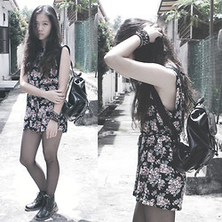Viwern W - Burnt Velvet Floral Romper, Vintage Black Backpack - WITHER