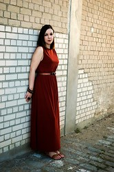 Fani L. - H&M Dress - Bricks and a maxi dress