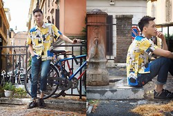 Chris Su - Dsquared2 Jeans, Shirt - A path near Vatican