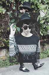 Ly-ar Mar✞inez - Androgyne Manila Top, Forever 21 Wide Brimmed Fedora - Black Beauty