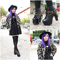 Federica D - H&M Chains Printed Jacket, Jeffrey Campbell Lita Coco, Fig&Viper Black Top - Gold chains